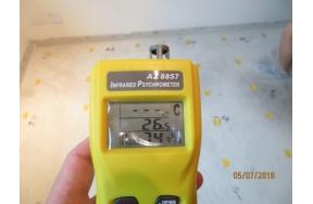 港島半山住宅地台受冷凝結水(俗稱倒汗水)影響進行檢測